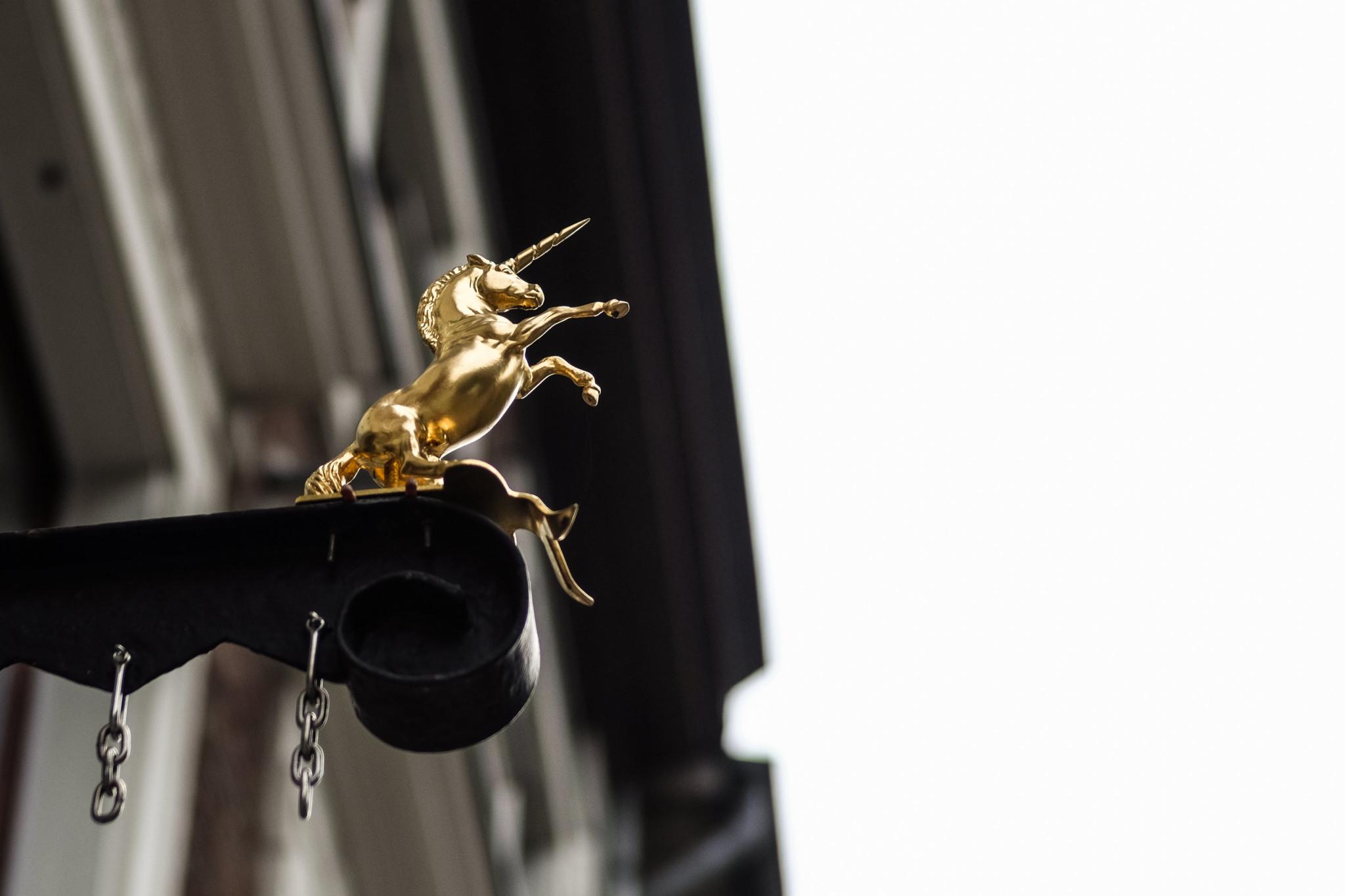 Sebesség társkereső goldenes einhorn düsseldorf